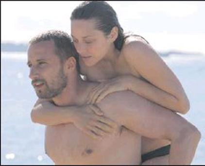 Rust And Bone captures the passion and roller-coaster emotions of the wayward characters as they wrestle with their predicaments.