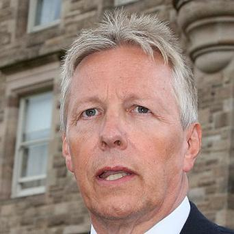 First Minister Peter Robinson urged people to cancel further protests over the flying of the Union flag in Belfast