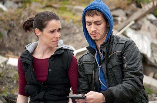 Caoilfhionn Dunne and Robert Sheehan in Love/Hate