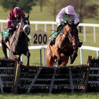 Pont Alexandre takes the last in the lead