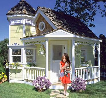 The plush Victorian style playhouse Katie Holmes is believed to be getting Suri for Christmas.