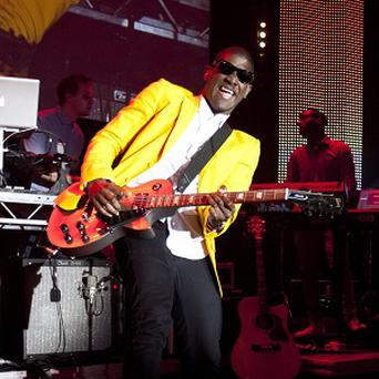 Labrinth would like to work with James Arthur