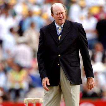 Former England captain and television commentator Tony Greig has died at the age of 66 after being diagnosed with lung cancer