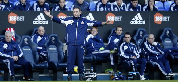 Sunderland manager Martin O'Neill reacts during the FA Cup Third Round match at the Reebok Stadium. Photo: PA
