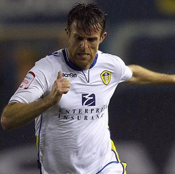 Michael Tonge has signed a two-and-a-half year deal at Leeds