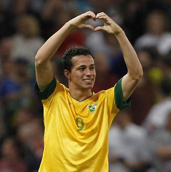 Spurs insist it will be extremely difficult to sign Leandro Damiao