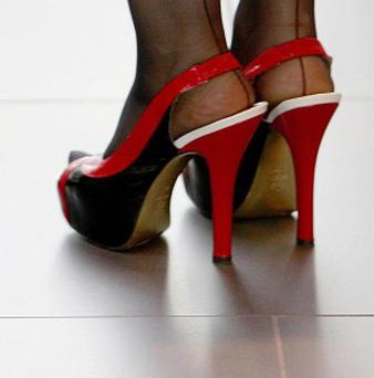 A survey by the British Heart Foundation has found that women feel more confident at work if they wear red