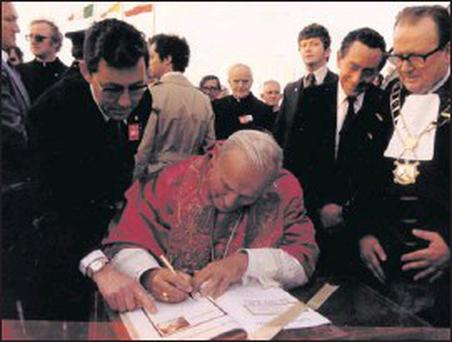 The late Paddy Levin with Pope John Paul II in 1979
