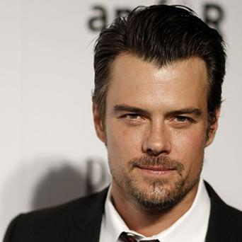 Josh Duhamel will host Nickelodeon's 26th Annual Kids' Choice Awards
