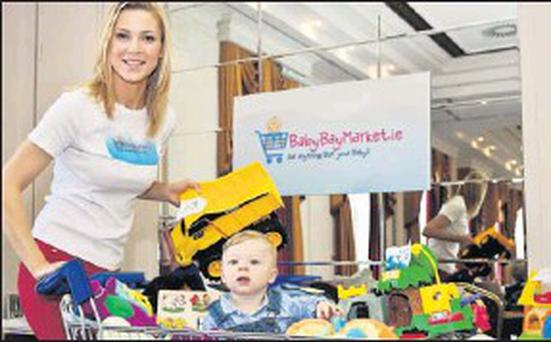 BabyBayMarket was officially opened by Model and proud mum Sarah McGovern. Helping Sarah is her 10 month old son Baby Jude.