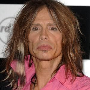 American Idol judge Steven Tyler says that he's now sober