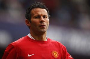 Ryan Giggs remains confident of Man United's progress to Carling Cup final Photo: Getty Images