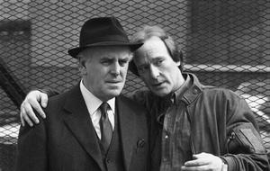George Cole pictured as Arthur Daley with Dennis Waterman as Terry McCann, in a scene from the ITV drama Minder, 26th May 1988.  (Photo by A. Cook/Express Newspapers/Getty Images)