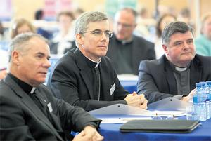Dr Eugene Duffy, Papal Nuncio Archbishop Charles Brown, and Reverend Anthony Mullins yesterday at Mary Immaculate College, Limerick, for the conference 'Catholic Education and the New Evangelisation'