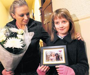 Veronica Matczynska, above left with her mother Sylvia, holds a photo of her with her best friend Kimberly Wallwork