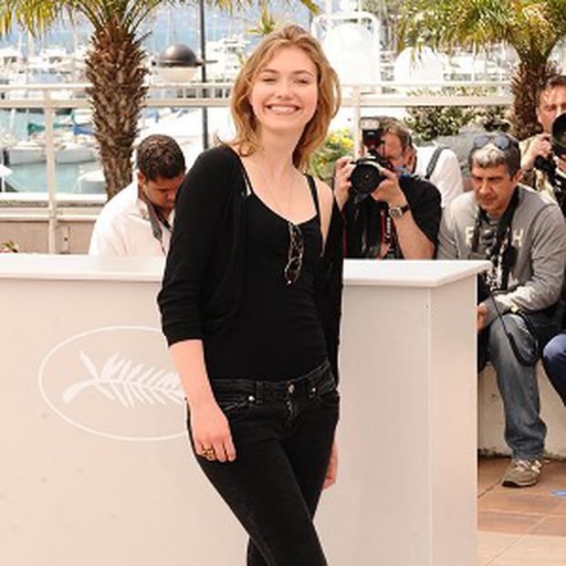 Imogen Poots is being lined up to play Zac Efron's love interest