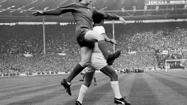 Kidd leaps for the ball during United's 4-1 win over Benfica in the 1968 European Cup Final. Photo: Getty Images