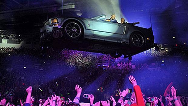 JLS are lowered into the O2 by car last night