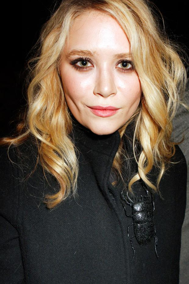 A front row photo of Ashley Olsen by Jessica Weber.