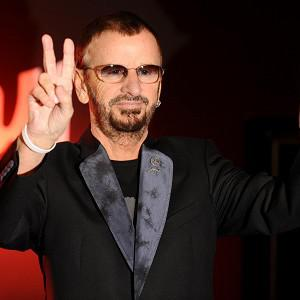 Ringo Starr would love to saunter onto the stage 'like Frank Sinatra'