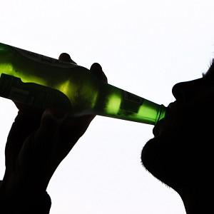 Medical experts are demanding the Government introduce a minumum price for alcohol in England and Wales