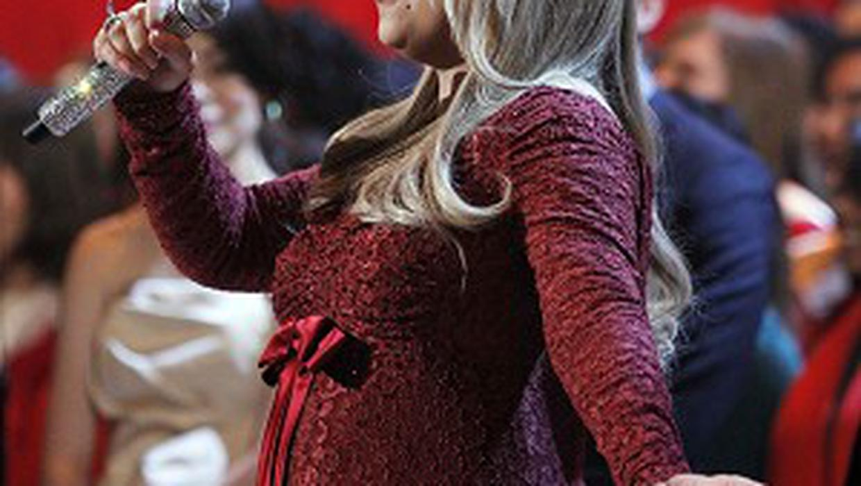 Mariah Carey shows off baby bump - Independent.ie
