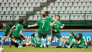 Quarter-finals here we come - scorer Megan Campbell (No 3) and team-mates celebrate Ireland's first goal in the win over Ghana in the U-17 Women's World Cup. Photo: Stephen McCarthy / Sportsfile
