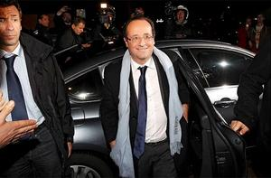 Francois Hollande, Socialist Party Candidate for the 2012 French presidential election arrives at his campaign headquarters in Paris in the early hours of April 23. Photo: Reuters