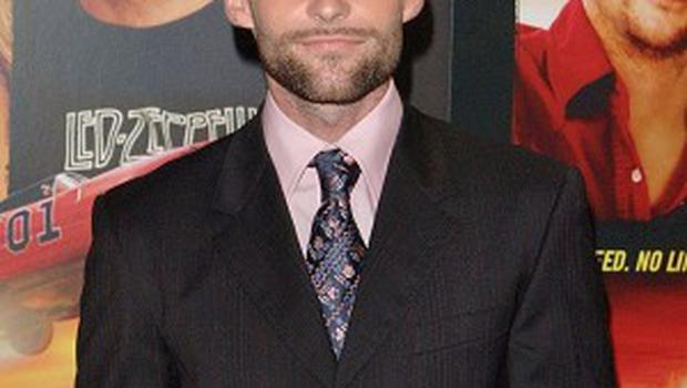American Pie star Seann William Scott has said he'd love to play a serious role