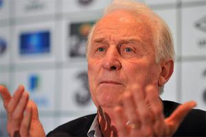 Giovanni Trapattoni addresses the media during a press conference at Dublin Airport yesterday