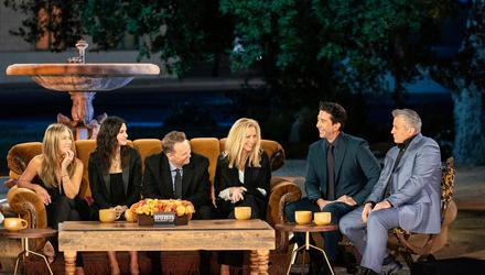 Jennifer Aniston, Courteney Cox, Lisa Kudrow, Matt LeBlanc, Matthew Perry and David Schwimmer – reunited for a one-off special. Photo : Terence Patrick/HBO Max/PA Wire