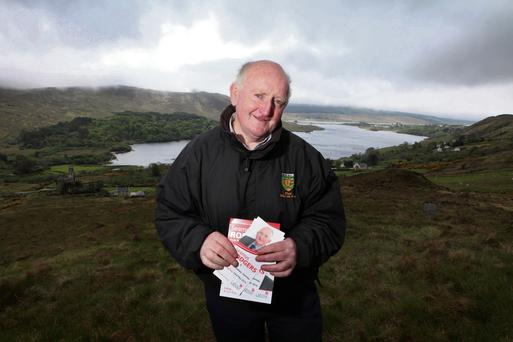 Seamus Rodgers canvassing near Dunlewey, Co. Donegal this week. Pic: Declan Doherty