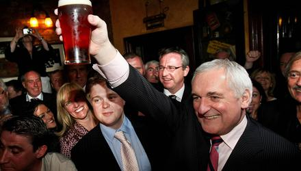 Bertie Ahern marks the end of his tenure as Taoiseach with a pint of Bass in Fagan's of Drumcondra in May 2008. Photo: Julien Behal