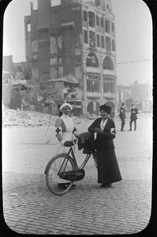 Nurses on Sackville St (now O'Connell Street) in 1916