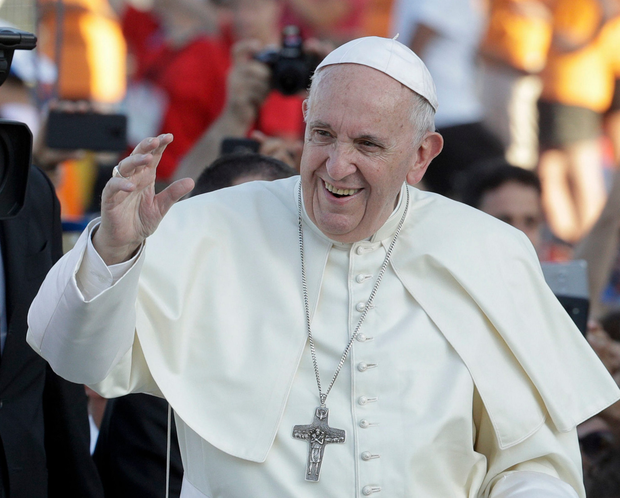 Pope gets tepid welcome on 1st day of Ireland visit