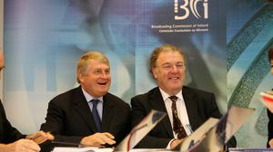 Denis O'Brien signing a national licence agreement with the Broadcasting Commission of Ireland to make Newstalk Ireland's first national commercial talk-radio station. Also pictured is BCI Chairperson Conor Maguire. Photo: Jason Clarke Photography