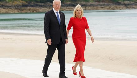 USE President Joe Biden and First Lady Jill Biden walk along the boardwalk during the G7 summit in Carbis Bay, Cornwall, Britain. Photo: Reuters/Kevin Lamarque/Pool