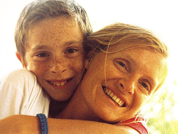 Sophie Toscan and her son Pierre-Louis Baudey-Vignaud               in 1990