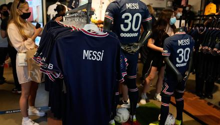Shirts bearing the name of former Barcelona legend Lionel Messi already on sale in the official Paris St Germain shop last week. Picture by Francois Mori/AP