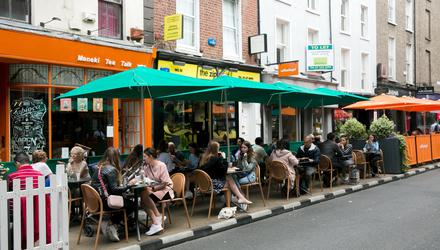 Outdoor dining on South Anne Street in Dublin's city centre. Photo: Gareth Chaney/Collins