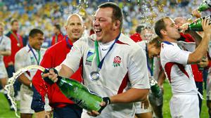 Lost moment: Steve Thompson celebrates winning the 2003 Rugby World Cup with England, a feat he no longer remembers. Photo by Odd Andersen/Getty