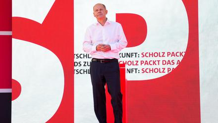 Germany's Social Democratic Party candidate for chancellor in the upcoming national elections Olaf Scholz speaks during an election campaign event in Berlin. Photo: Markus Schreiber/Reuters