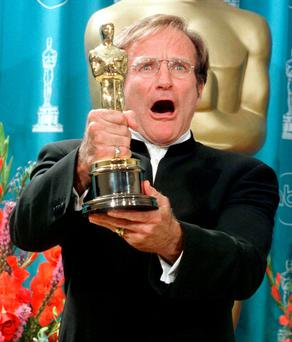 Robin Williams wins his Oscar for Good Will Hunting