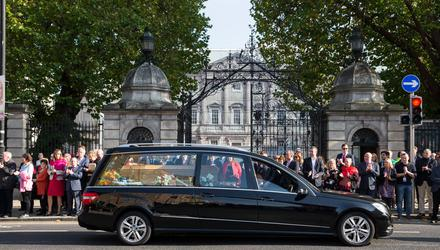 Emma Mhic Mhathúna's funeral cortege passes Leinster House in October 2018. Photo: Mark Condren