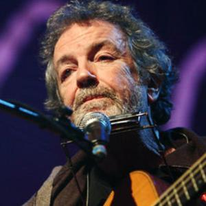 The legendary Andy Irvine is to perform in Carlingford