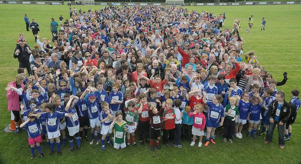 The participants in the Roche Emmets world record attempt.