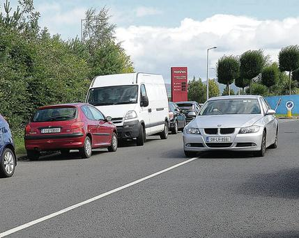 Traffic problems around Marshes Avenue