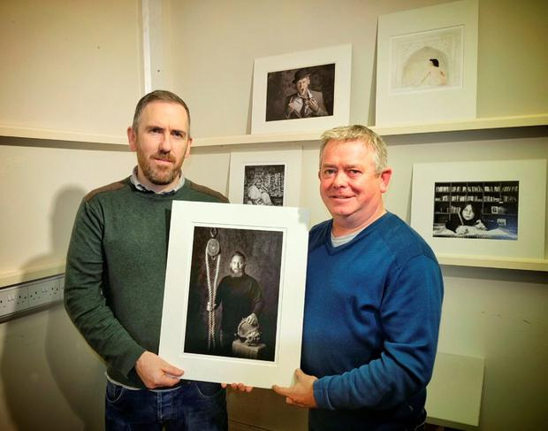 Judge Richie Hach with Gabriel O'Shaughnessy and his image 'Portrait of a friend'