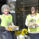 Mary McNamee and Nuala Mulholland out selling daffodils for the Irish Cancer Society