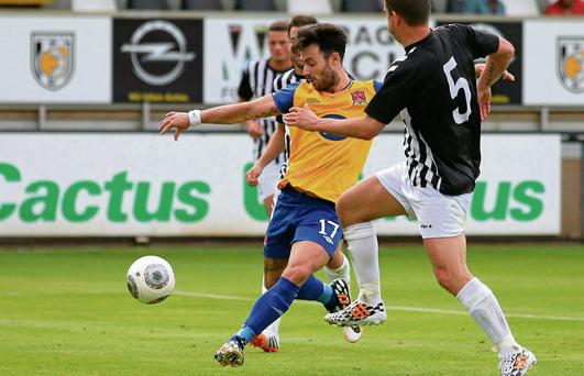 Richie Towell pounces to score his and Dundalk's second goal to put them firmly in the driving seat going into the second leg against Jeunesse Esch of Luxembourg. Gerry Schmit/SPORTSFILE